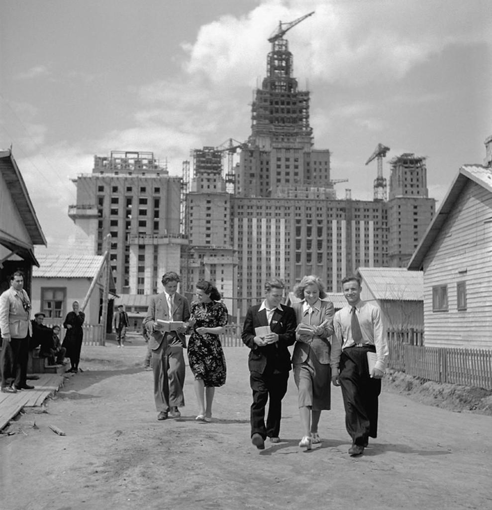 Construction du nouveau bâtiment de l'Université d'État de Moscou