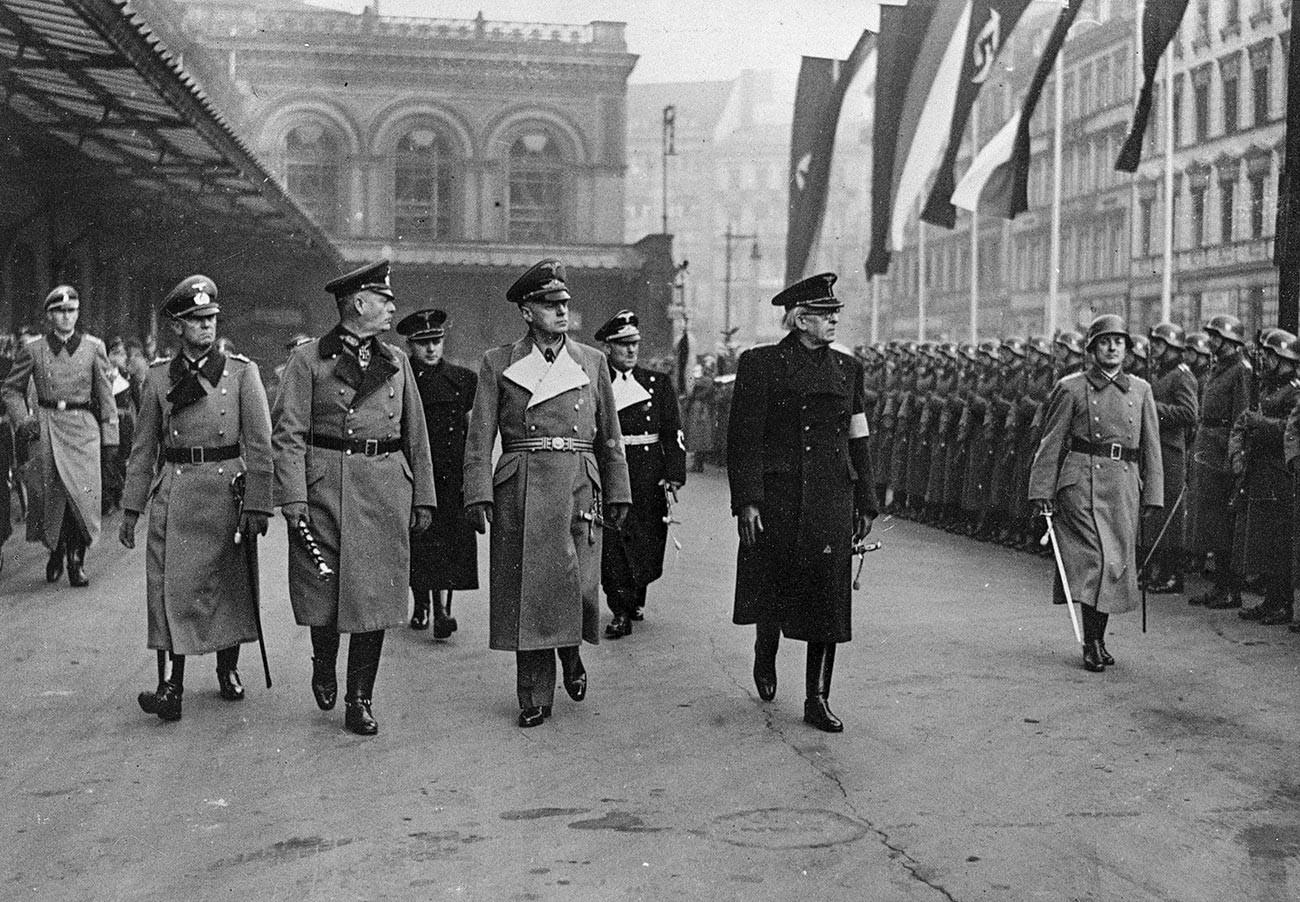 Visita del Primer Ministro Vojtech Tuka en Berlín (en el centro, Ribbentrop)
