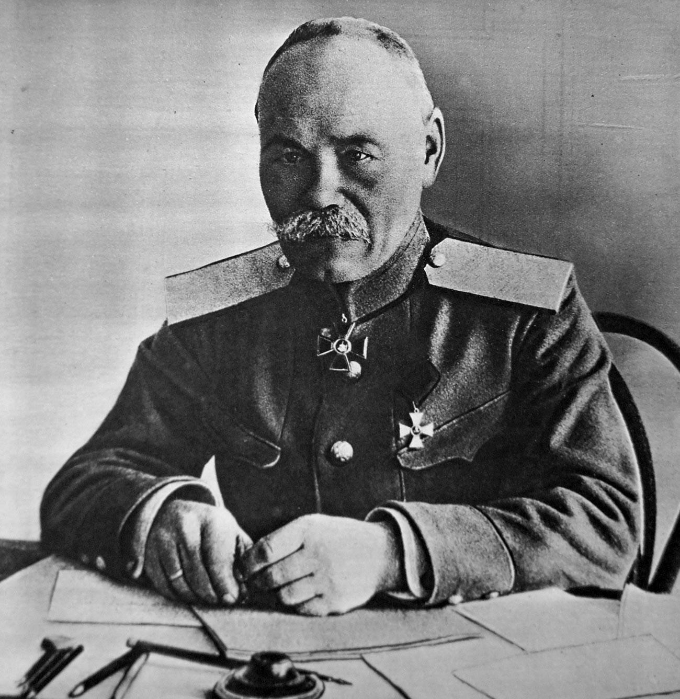 Il generale Michele Alekseev (1857-1918), capo di Stato maggiore dello zar Nicola II