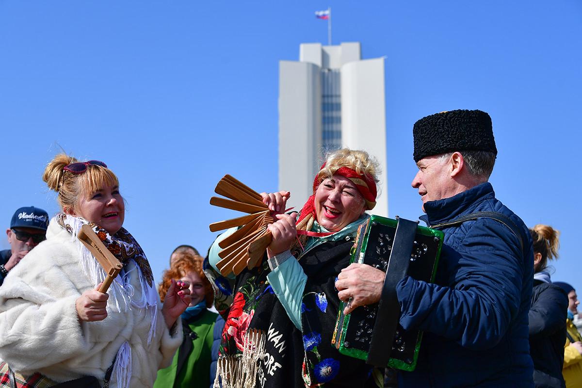 Perayaan Maslenitsa di Vladivostok, Rusia.