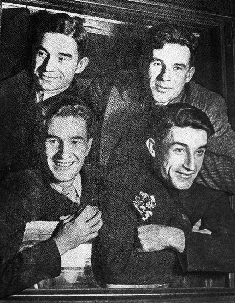 Igralci v ekipi Spartaka, bratje Starostini: (spodaj z leve proti desni) Pjotr in Andrej, zgoraj Nikolaj in Aleksander, 1936