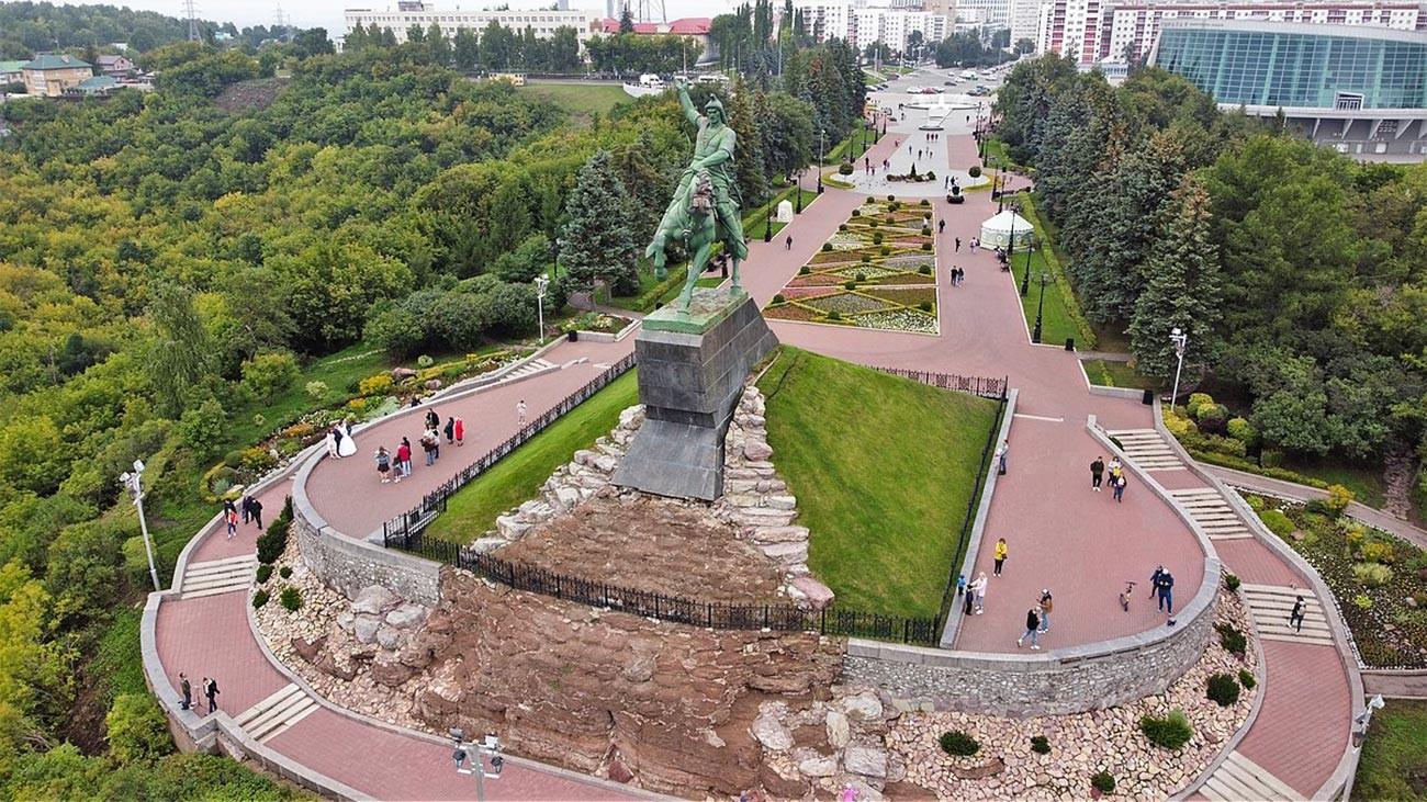 Трг Салавата Јулајева у граду Уфа