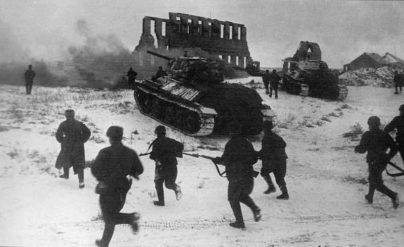 Tropas rusas lanzan un ataque
