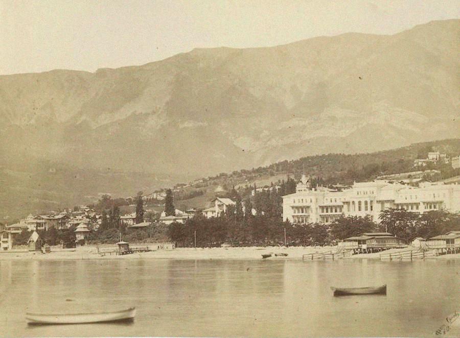 ヤルタの海岸線。1890年代