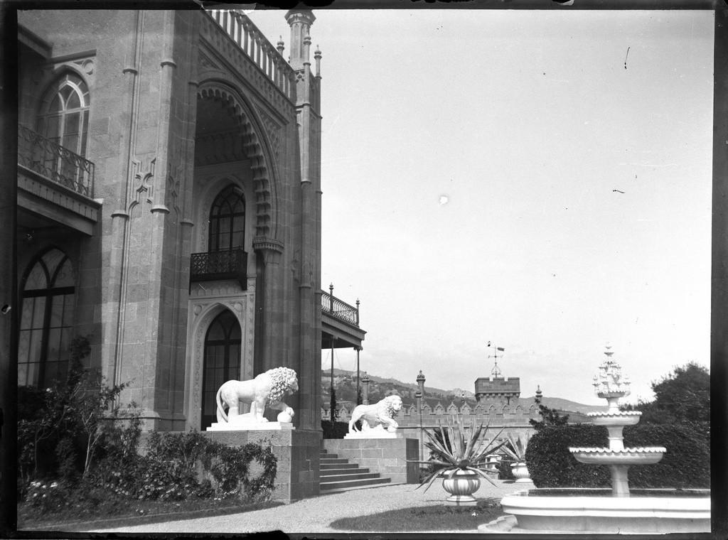 アルプカのヴォロンツォフ宮殿。1897年