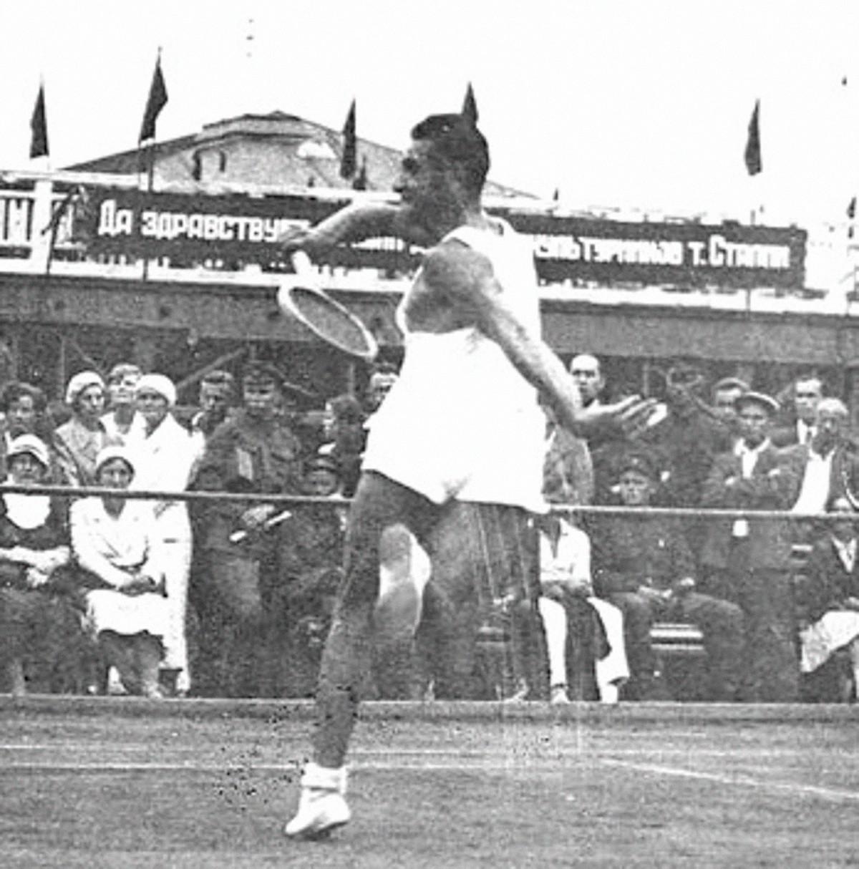 Archil Mdivani on the tennis court