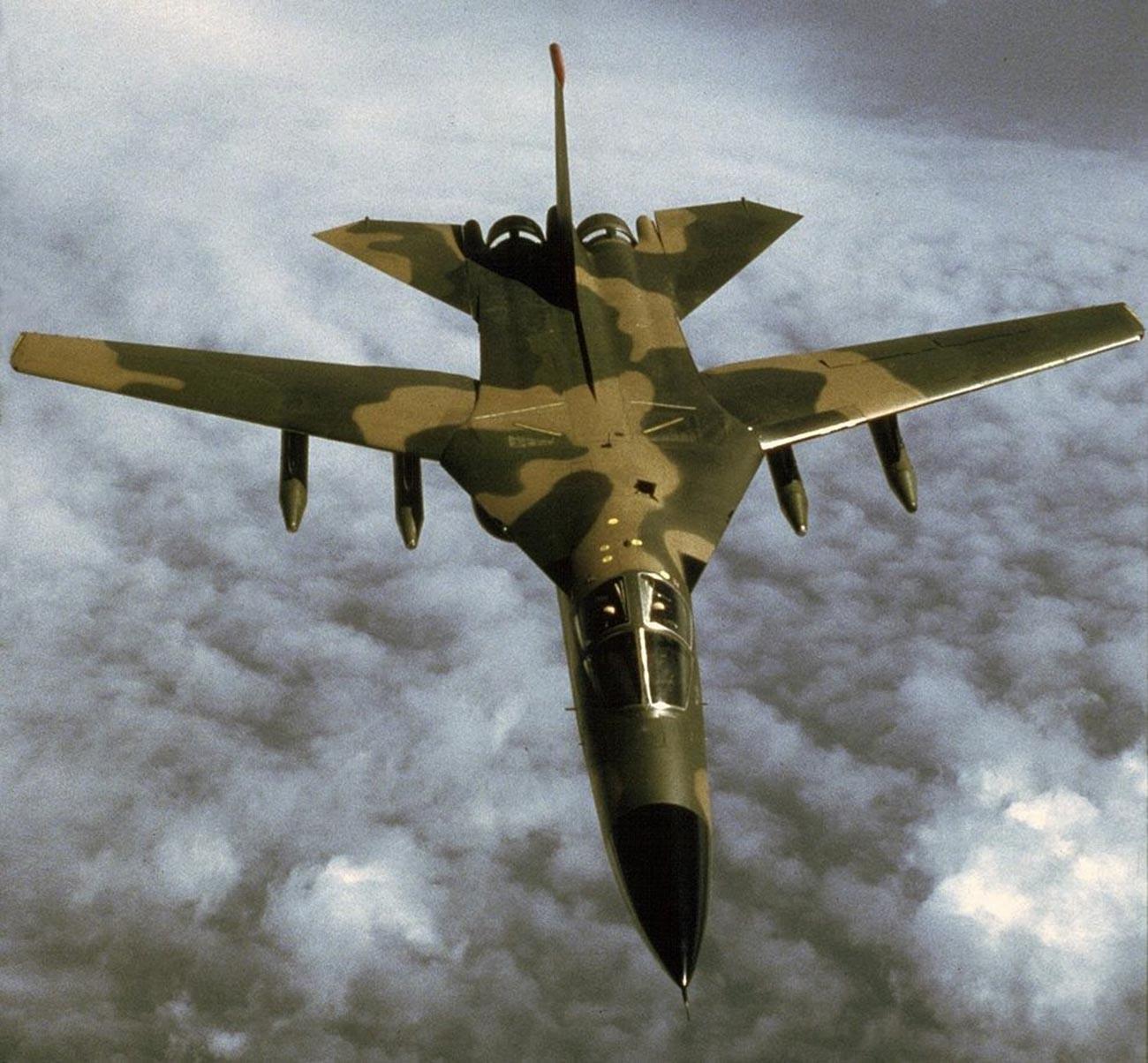 F-111 Aardvark-Kampfflugzeug.