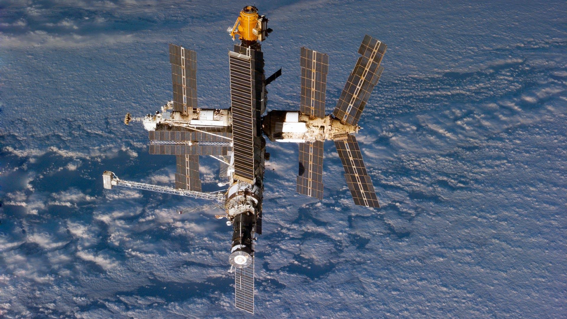 La station Mir vue depuis la navette Atlantis