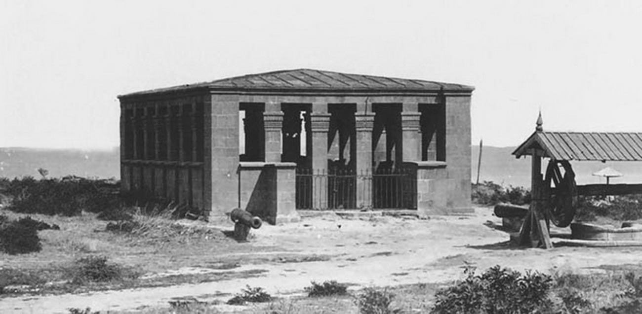 Derbent a véritablement prospéré entre les VIIIe et XIIIe siècles, lorsqu'elle est devenue l'une des villes les plus importantes de la période médiévale.