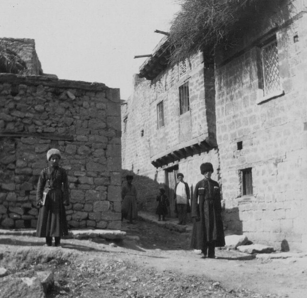 Les anciennes tribus de la région étaient sédentaires et pratiquaient l'agriculture.