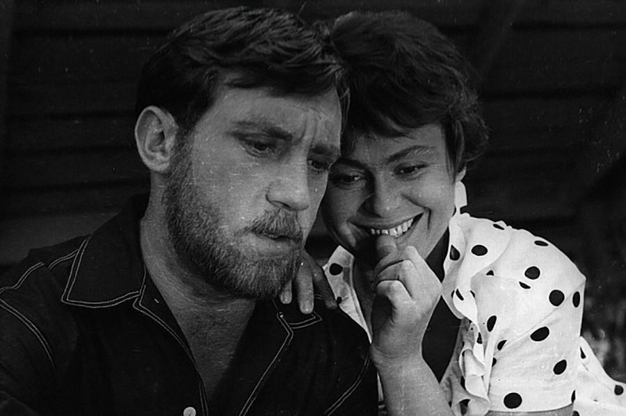 'Brief Encounters' starring Vladimir Vysotsky and Kira Muratova.