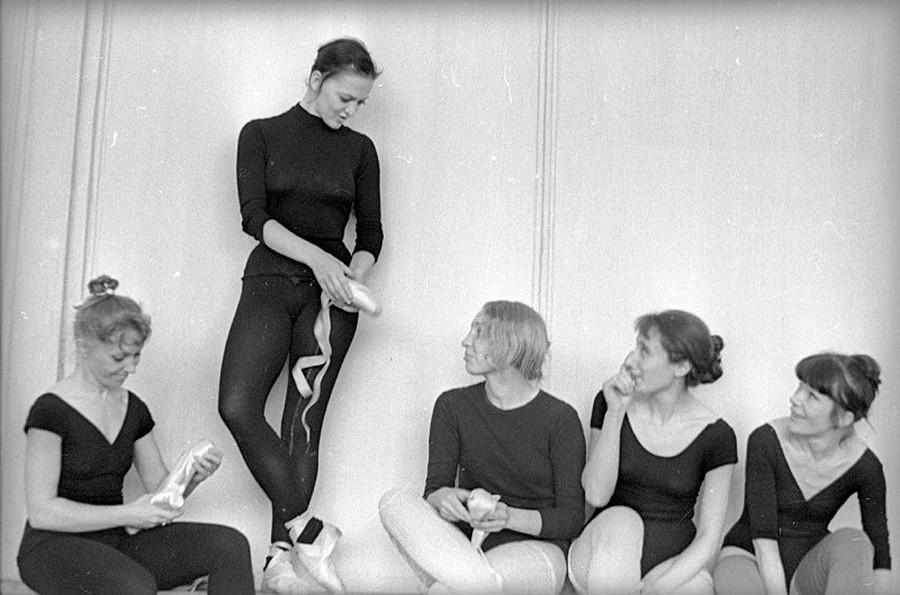Danseuses de ballet pendant l'entraînement