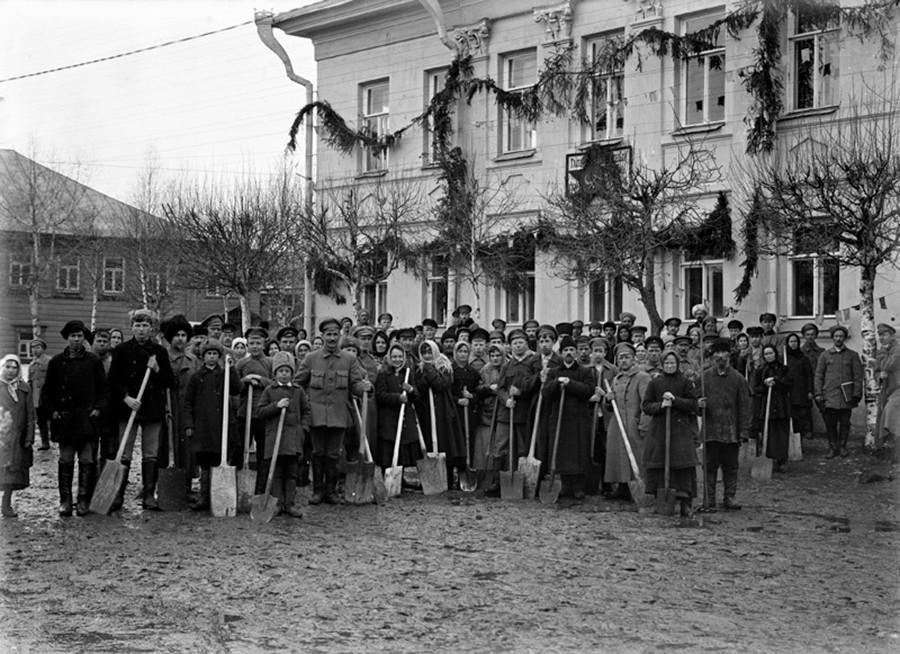 スボートニクでの集合写真、1932年