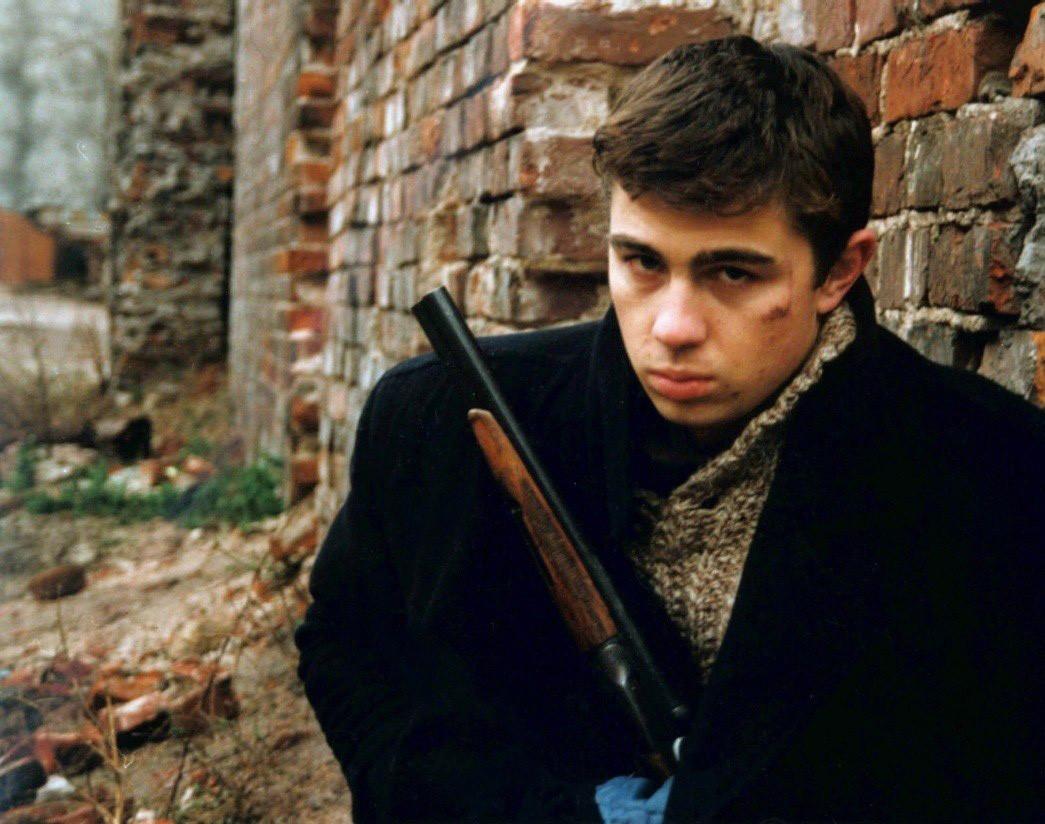 Sergei Bodrov, Jr. memerankan karakter Danila Bagrov  dalam film 'Brat'.