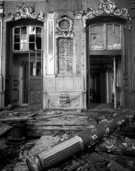 Palacio de Catalina destruido por los nazis, 1945.