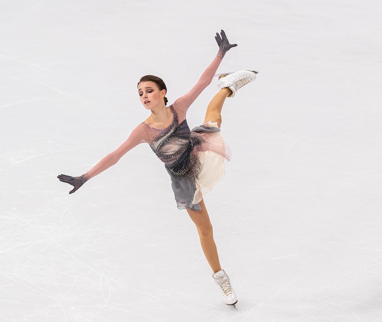 Ана Шчербакова, руска клизачица, наступ у слободном програму у женској конкуренцији на Светском првенству у уметничком клизању Међународног клизачког савеза (ISU), 26. март 2021. Стокхолм.