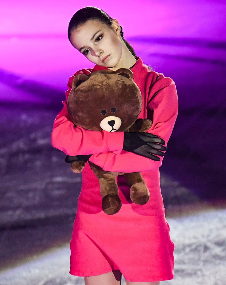 Anna Shcherbakova participates in demonstration performances at the Russian Figure Skating Championships in Chelyabinsk. 2020