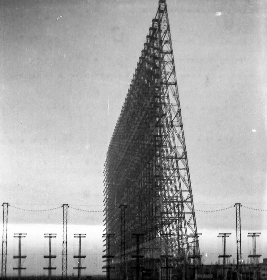 """Задхоризонтната радарска станица """"Дуга"""" кај Николаев."""
