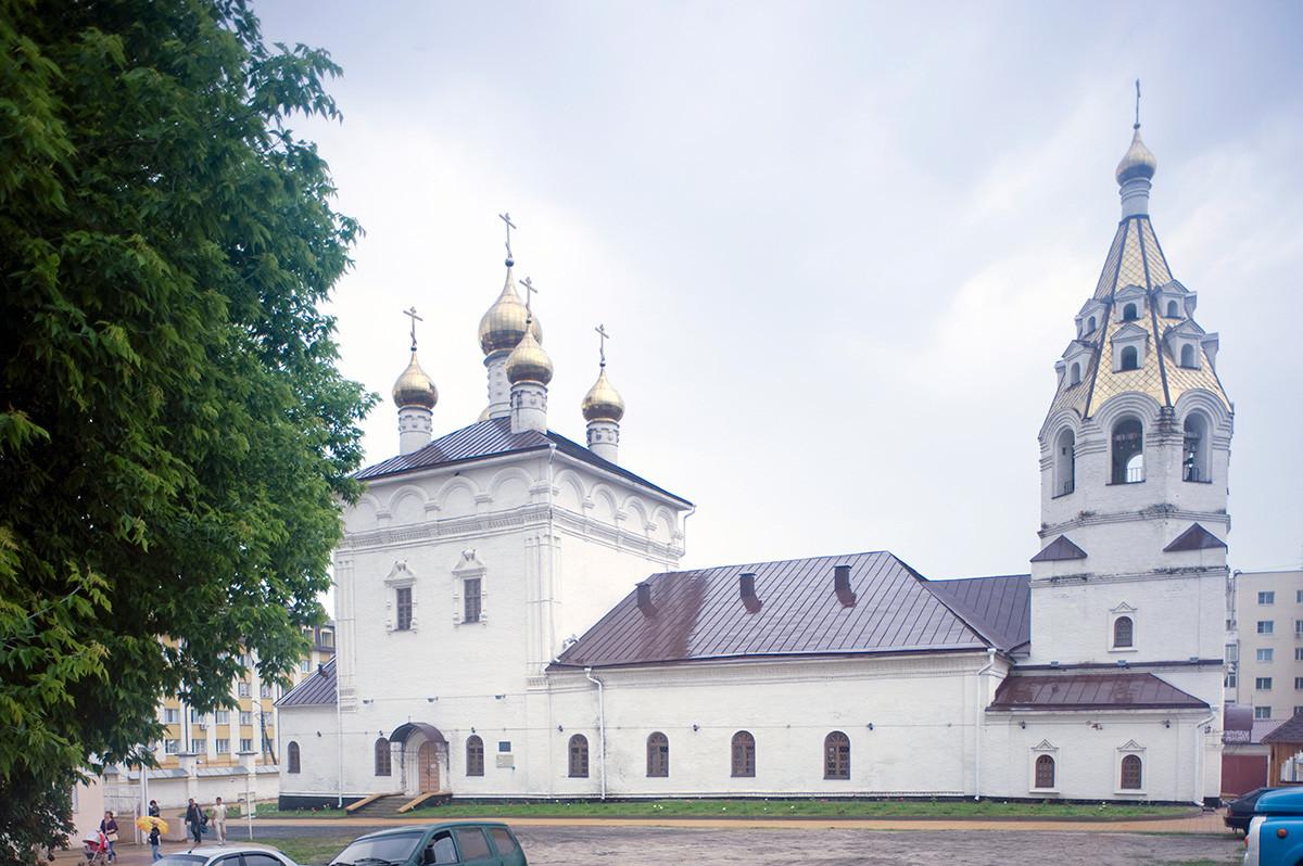Cathédrale de la Dormition et de Saint-Nicolas, couvent des Saintes-Marthe-et-Marie. Vue nord