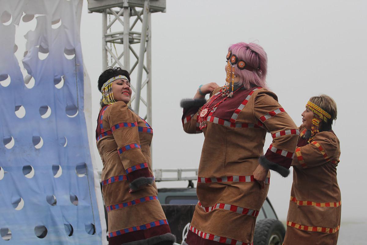 Bailes de las Aleutianas.