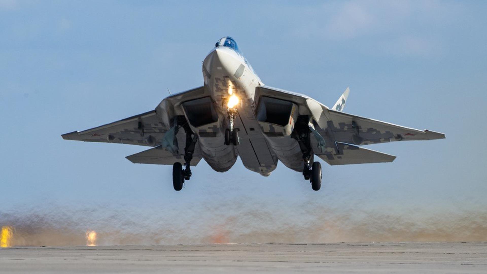 Il caccia multiruolo stealth di 5ª generazione Su-57