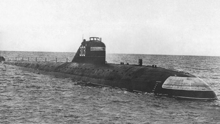 """К-3 """"Лењински комсомол"""", прва у Совјетском Савезу и трећа у свету нуклеарна подморница пројекта 627 """"Кит""""."""