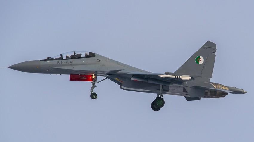 El caza Su-30MKA de Algeria.