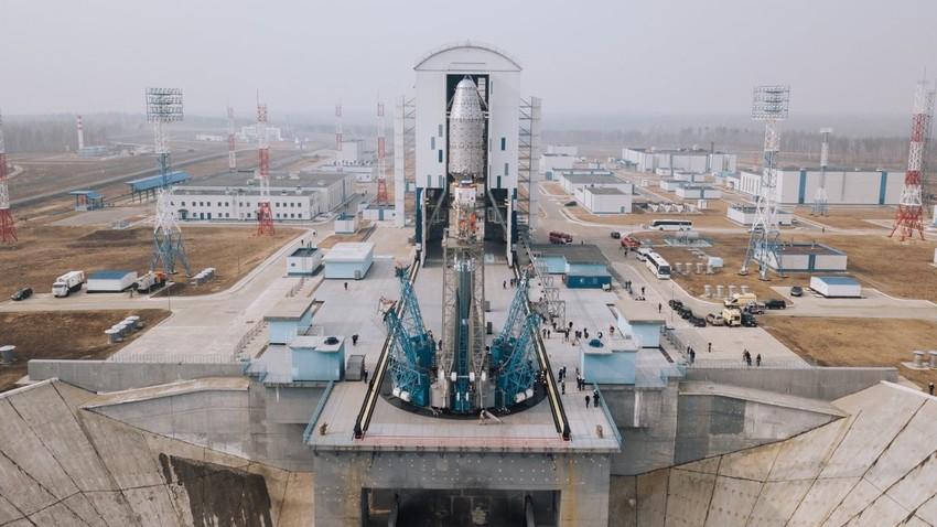 Kozmodrom Vostočni, priprava na izstrelitev 36 komunikacijskih satelitov OneWeb