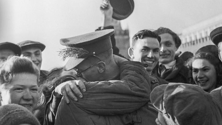 Na Praça Vermelha em 9 de maio de 1945.