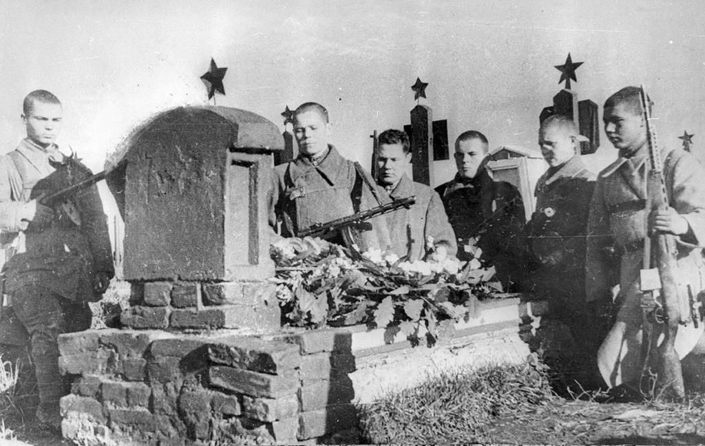 Adieu à un camarade, 1941