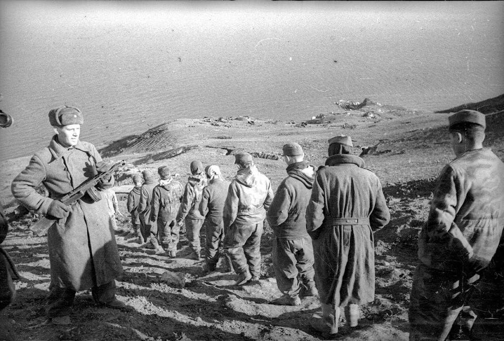 Allemands capturés à Kertch, en Crimée. Hiver 1941-42