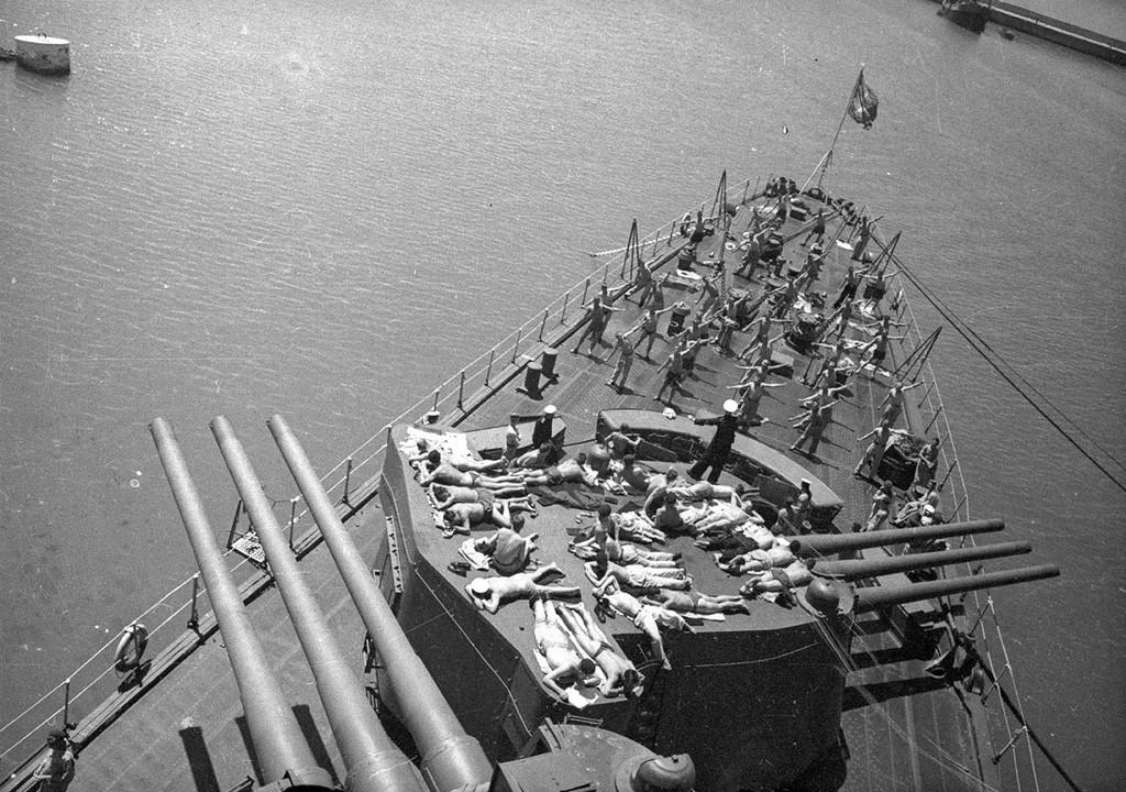 Le croiseur Molotov en Crimée, 1942