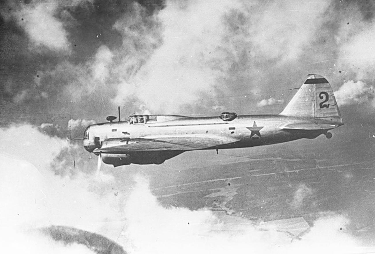 Das DB-3 Bombenflugzeug.