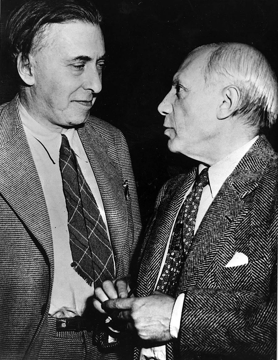 Ilja Ehrenburg (l.) und Pablo Picasso