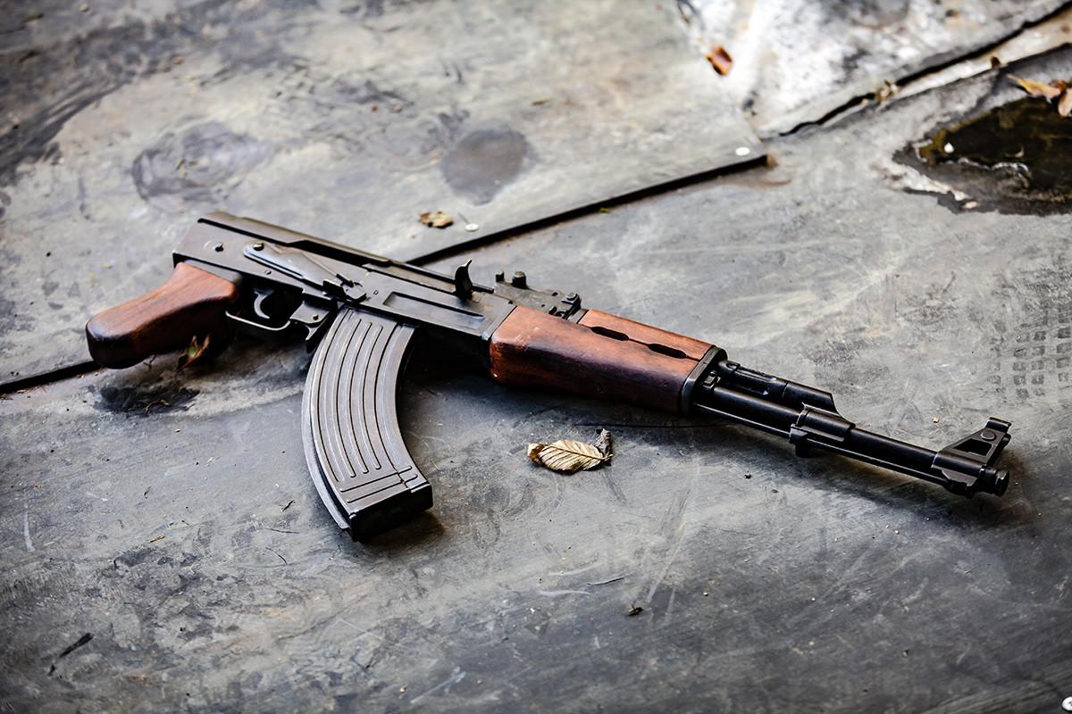 Senapan AK-47 Kalashnikov