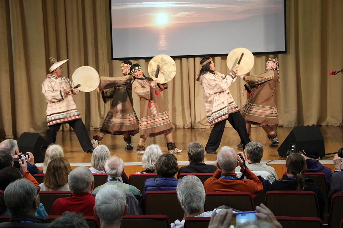 Ensemble di balli folkloristici