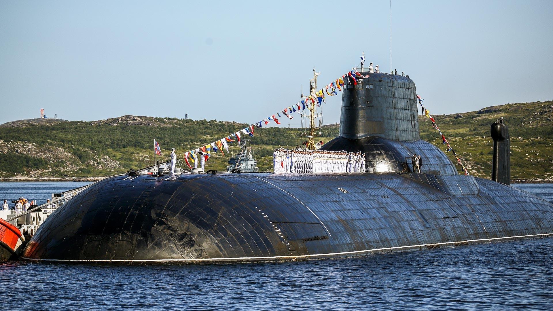 """Нуклеарна подморница од проектот 941 """"Акула"""" ТК-208 """"Дмитриј Донској"""""""