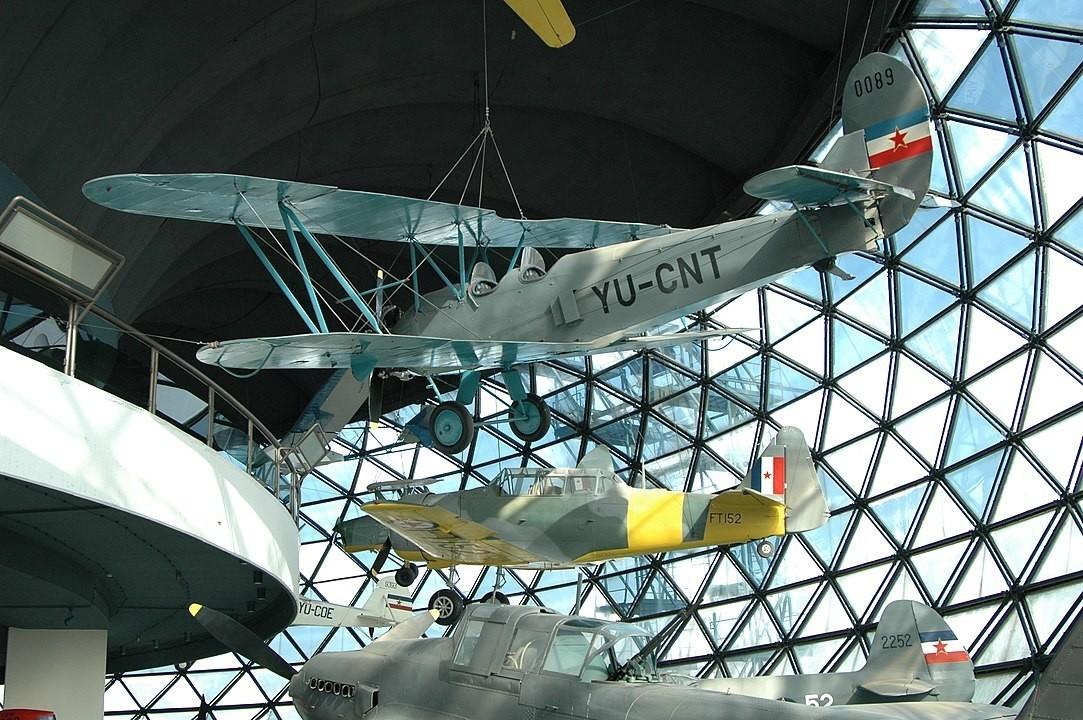 Уште еден советски авион кој дејствуваше во Југославија беше познатиот По-2.
