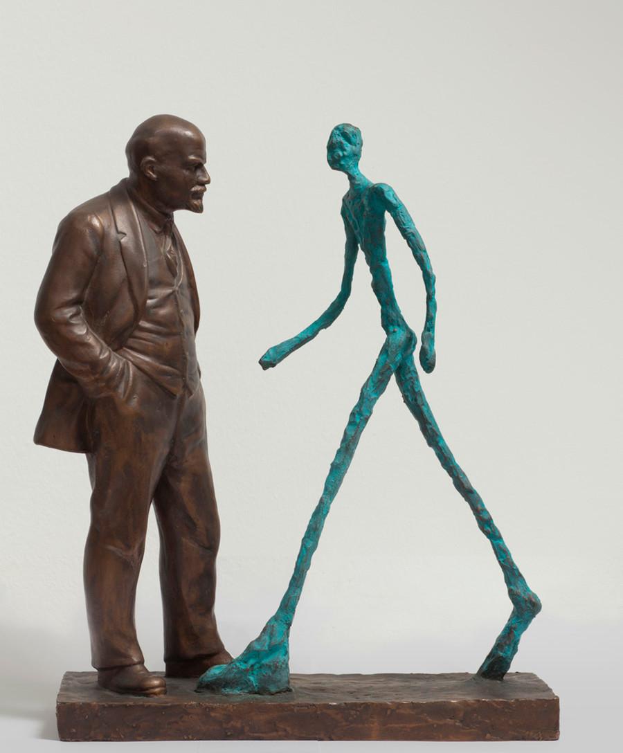 Rencontre entre deux sculptures (« Lénine et Giacometti ») par Leonid Sokov, 1987