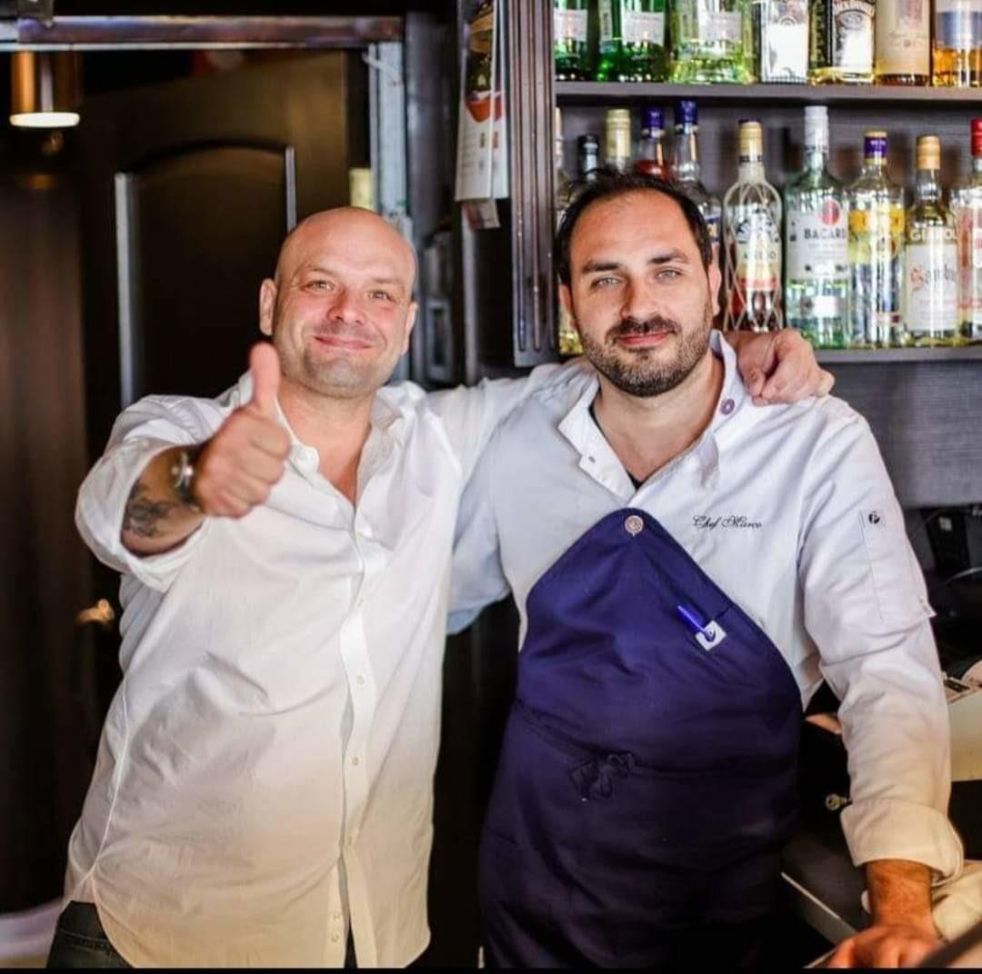 Marco Tagliaferri (a sinistra) con lo chef Marco Pennisi