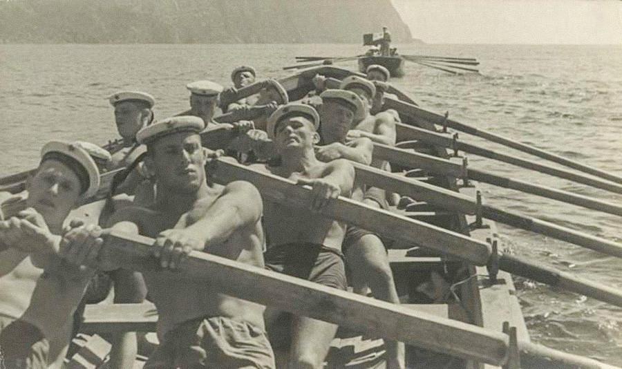 Marins de la Flotte de la mer Noire durant leur routine, années 1930