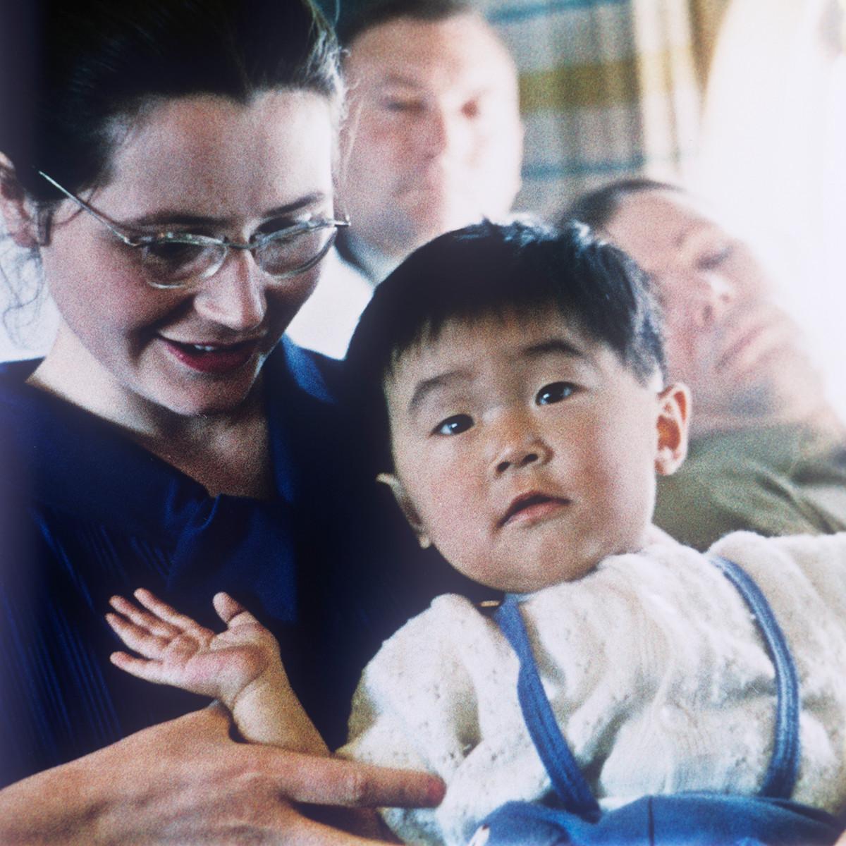 ユーリー・ガガーリンの妻、ワレンチナさんと日本の少年、中山栄くん
