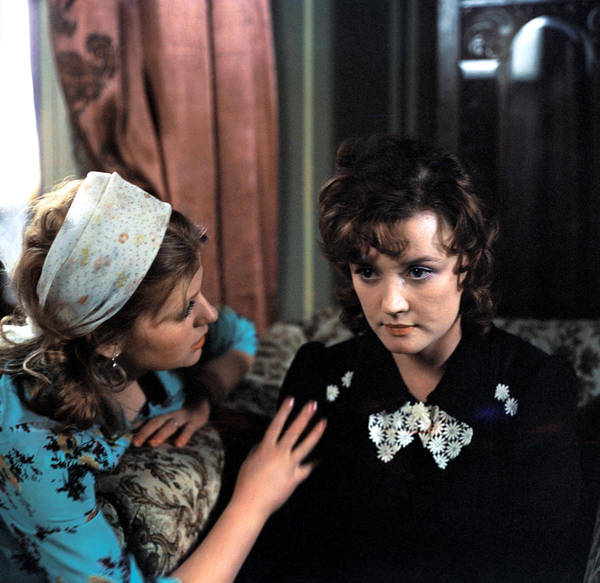 Cadre tiré du film oscarisé « Moscou ne croit pas aux larmes » du réalisateur soviétique Vladimir Menchov, 1980