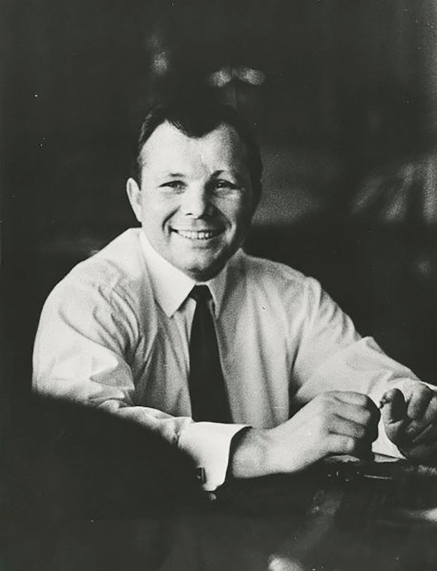 Gagarine posant en 1965