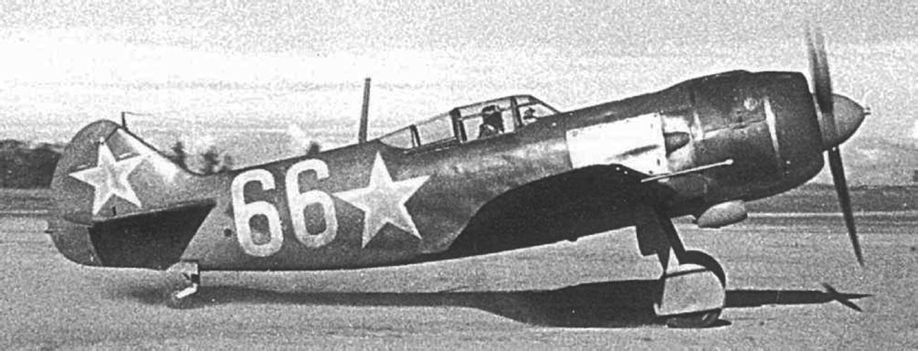 Pesawat tempur Lavochkin La-5 Soviet.