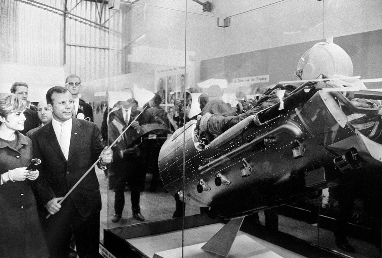Gagarine au salon international de l'aéronautique et de l'espace, à Paris