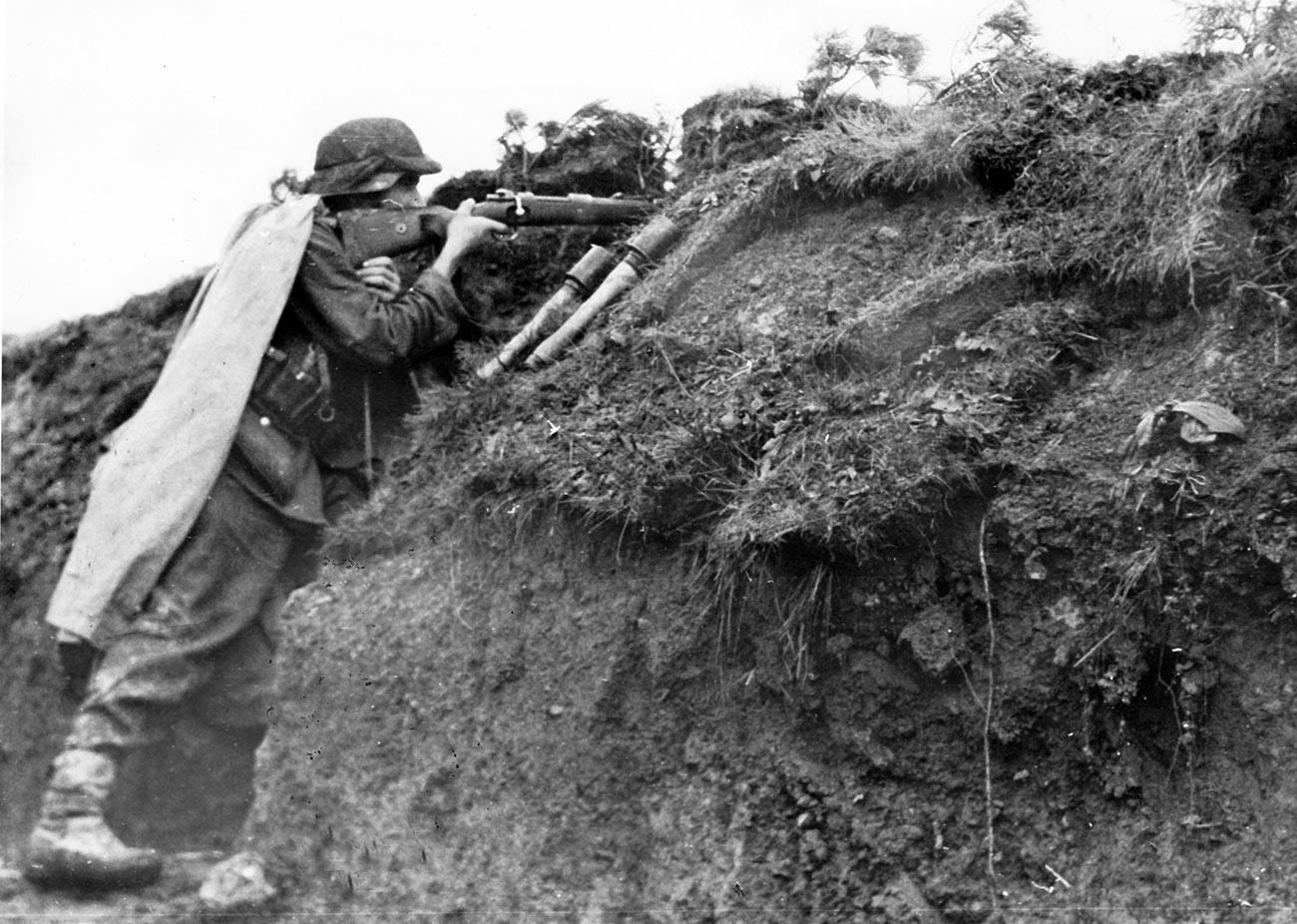 Die deutsche Wehrmacht an der Ostfront in den Karpaten, Oktober 1944.