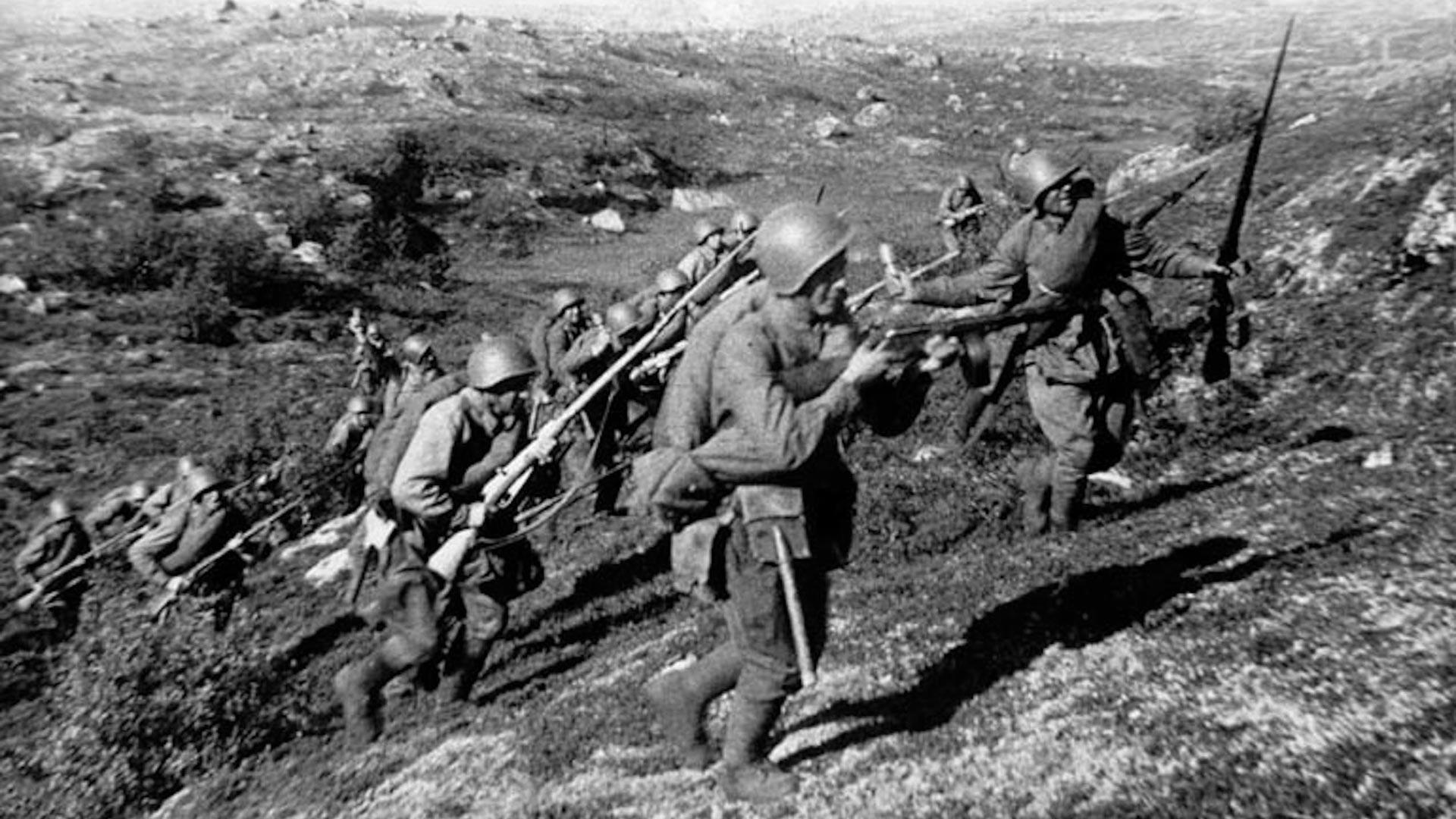 Руски војници у офанзивној операцији Петсамо-Киркенес 1944. године.