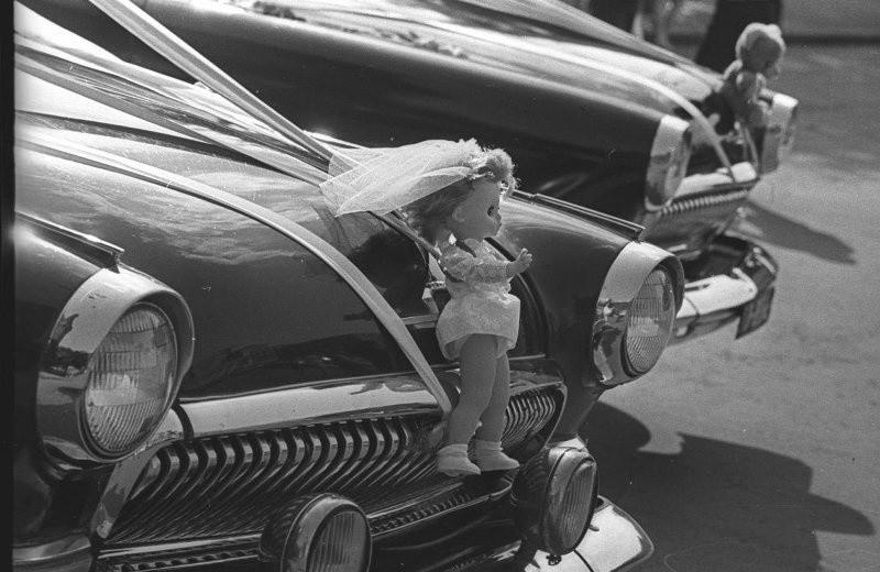 C'est ainsi que les voitures étaient décorées, 1974