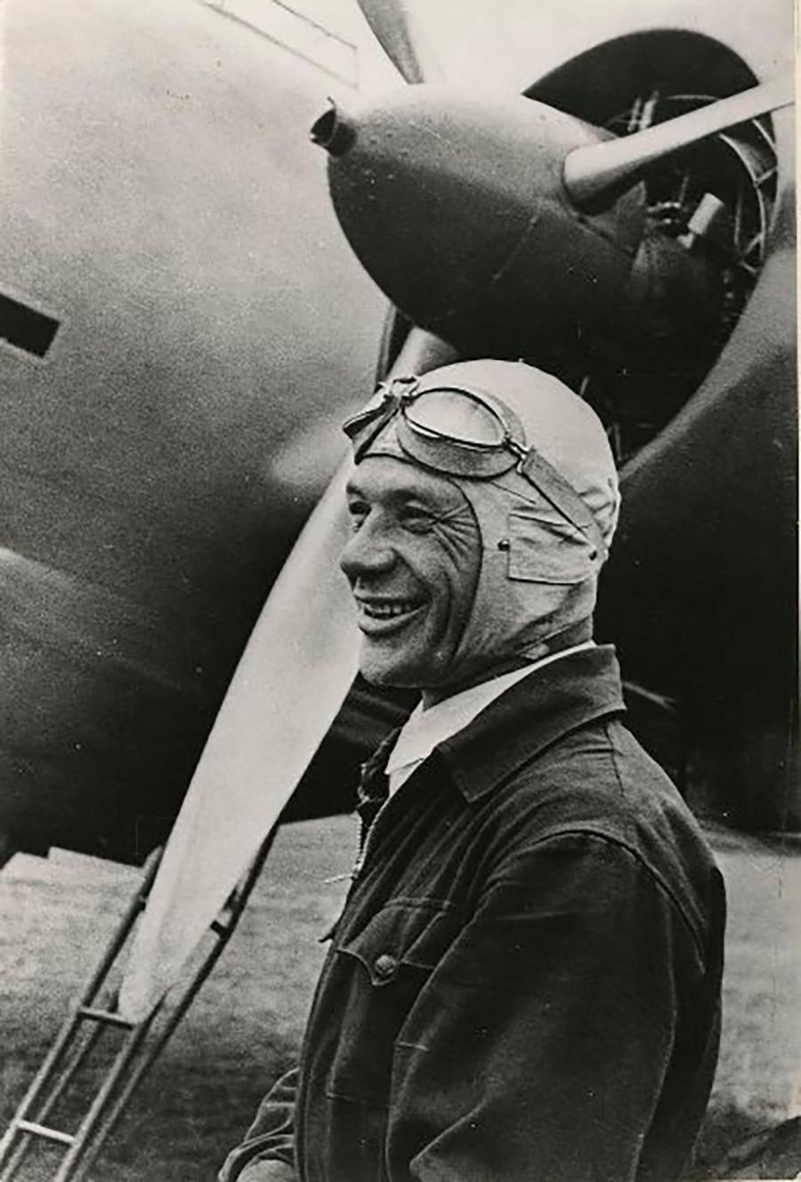 飛行士、ウラジーミル・コッキナキ、1937年